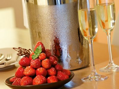 Sekt und Erdbeeren